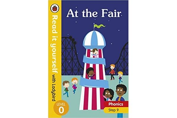 At the Fair - Read it yourself with Ladybird